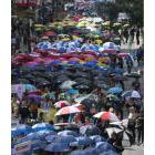 Centraide kicked off its 2017 fundraising campaign with a march with umbrellas through downtown Montreal on October 4